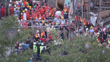 Rescue efforts at Soma mine in Turkey 2014