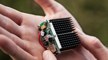 Thermal energy harvesting powered wireless sensor
