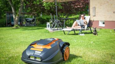 Smart lawnmower