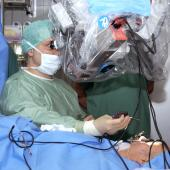 VR enters the operating theatres