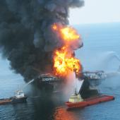 Deepwater Horizon explosion and fire