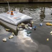 Waste shark robot
