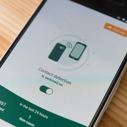 covid tracing app on smartphone
