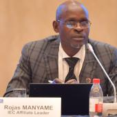 Image of Rojas Manyame giving a presentation